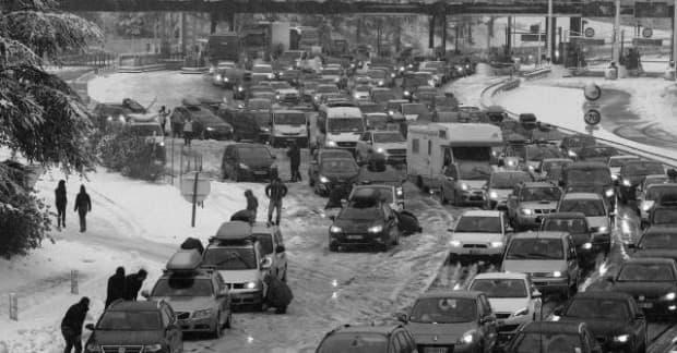 Neige, verglas : comment conduire en voiture en toute sécurité ?